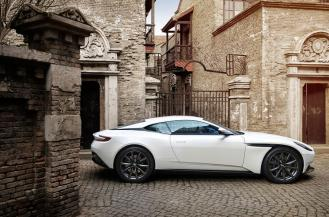 Aston Martin DB11-AMG V8-2