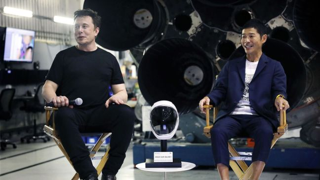 Pagani Zonda ZoZo Owner Fly Moon 2023 SpaceX Rocket Yusaku Maezawa 07