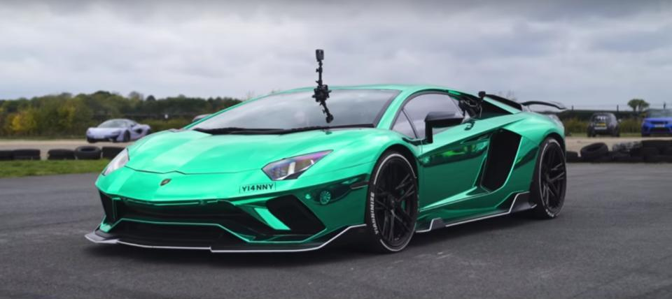 Lamborghini Urus Tesla Model X Race