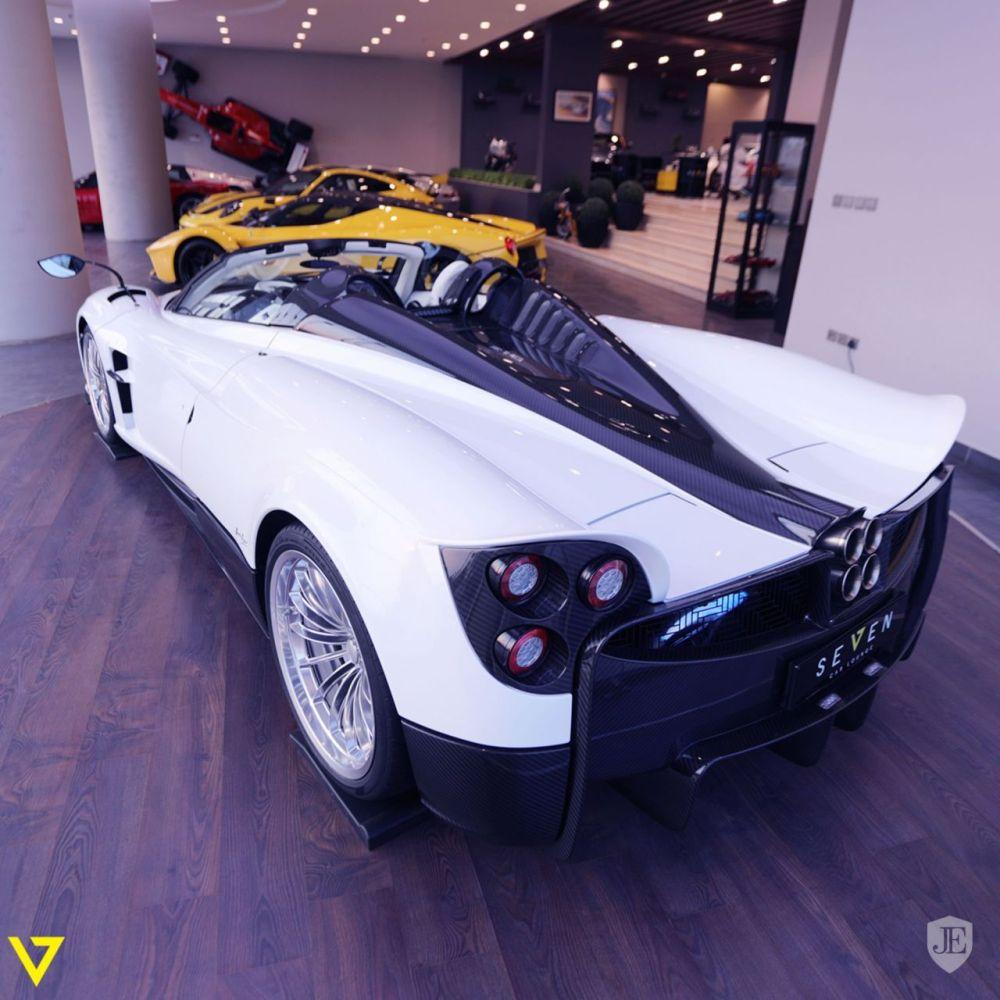 Pagani-huayra-roadster-for-sale-10