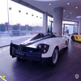 Pagani-huayra-roadster-for-sale-8