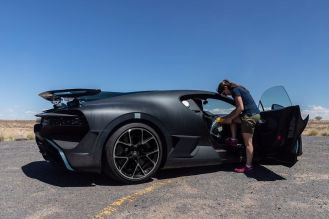 Bugatti Divo-prototype-testing-2