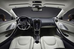 2020-McLaren GT-1