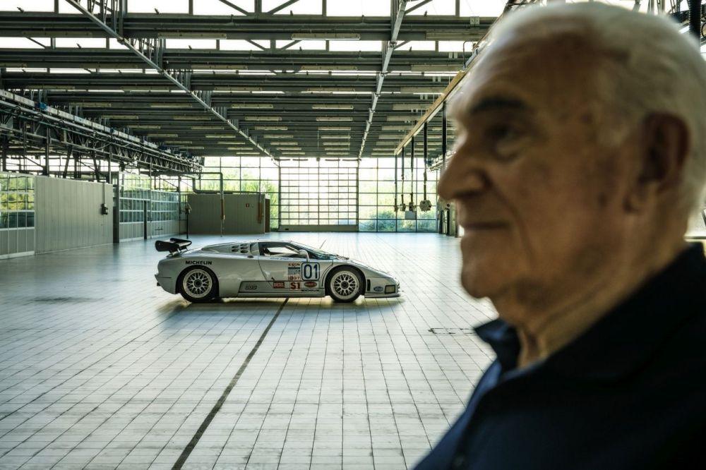 Romano Artioli-Bugatti EB110-1