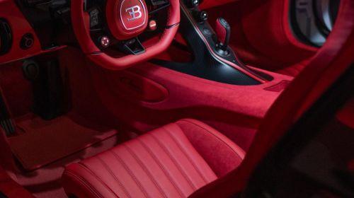 Quartz White Bugatti Chiron Pur Sport-Sparky18888-2