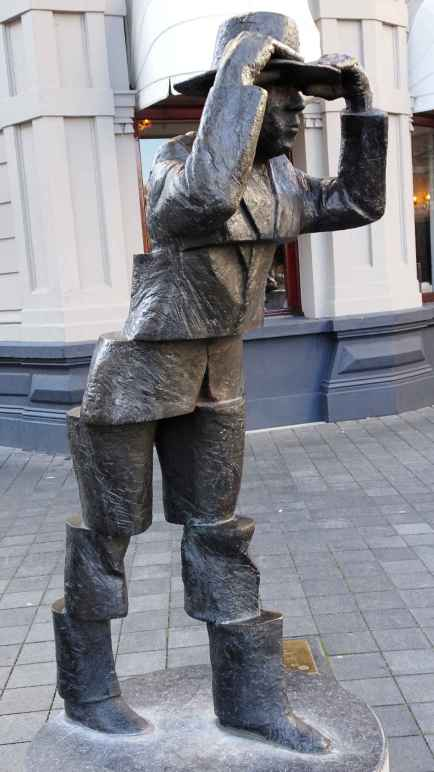 Maastricht: De Wiekeneer by Frans Carlier - Wycker Brugstraat outside Hotel Beaumont