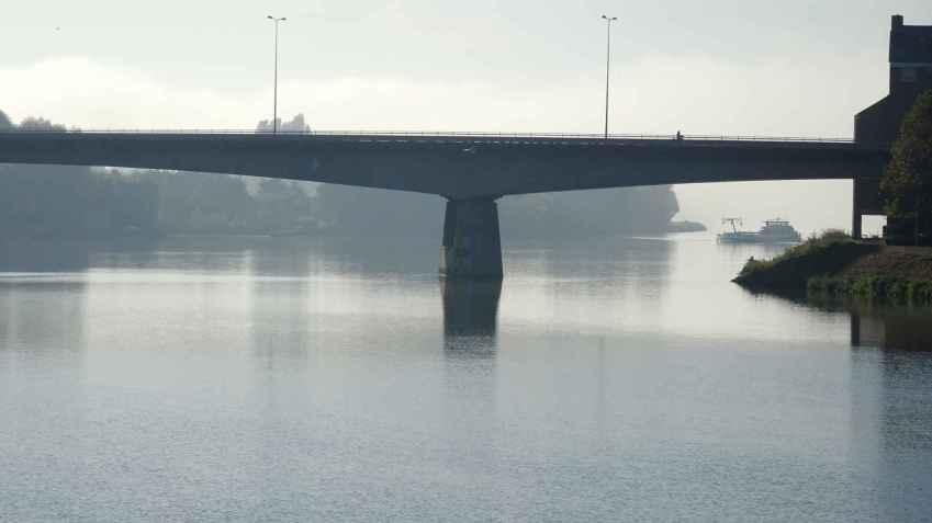 Maastricht: The John F Kennedy Bridge and the Meuse