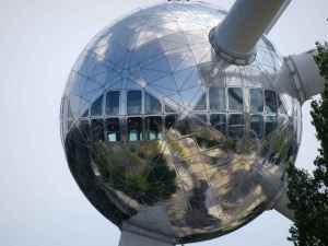 Time travel: Atomium observation pod