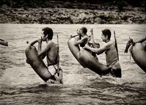 Steve McCurry: Crossing a river with goatskins