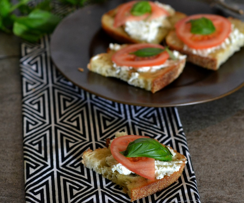 Herbed Goat Cheese Toasts Topped with Tomatoes| A perfect rainy day dinner for one or a perfect appetizer for a party. |www.thesurferskitchen.com
