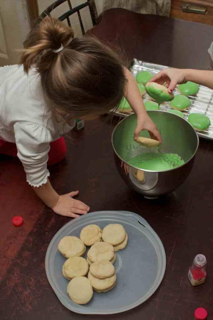 dipping sugar cookies