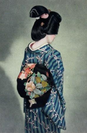 Geïmporteerde zijde en textiel zorgden voor een enorme ontwikkeling in de Japanse kimono.