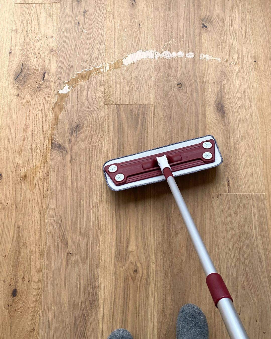 Oiling Stuga Kahrs Flooring with Mop