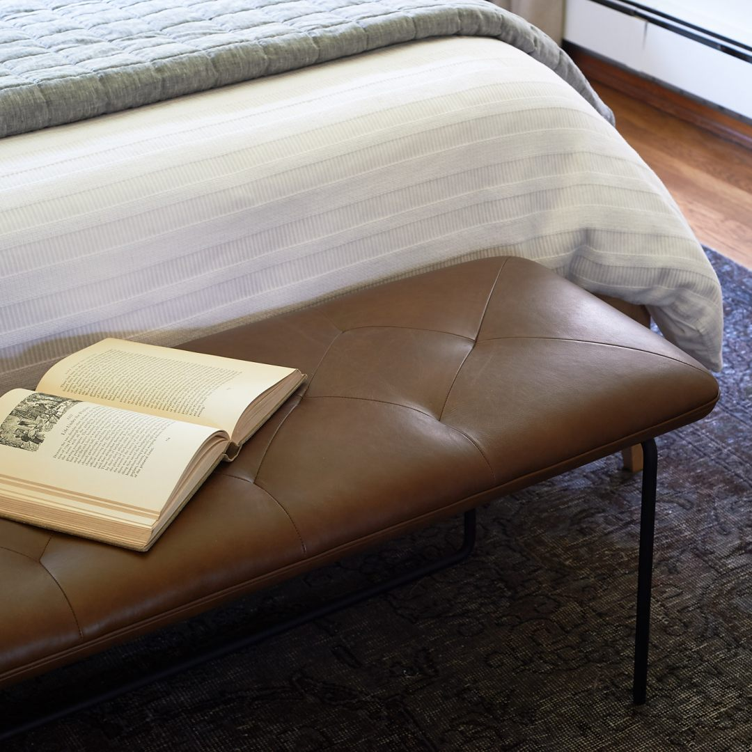Article level bench leather detail