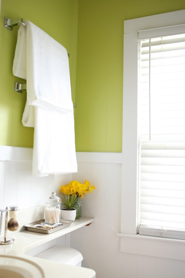 green paint color for bathroom