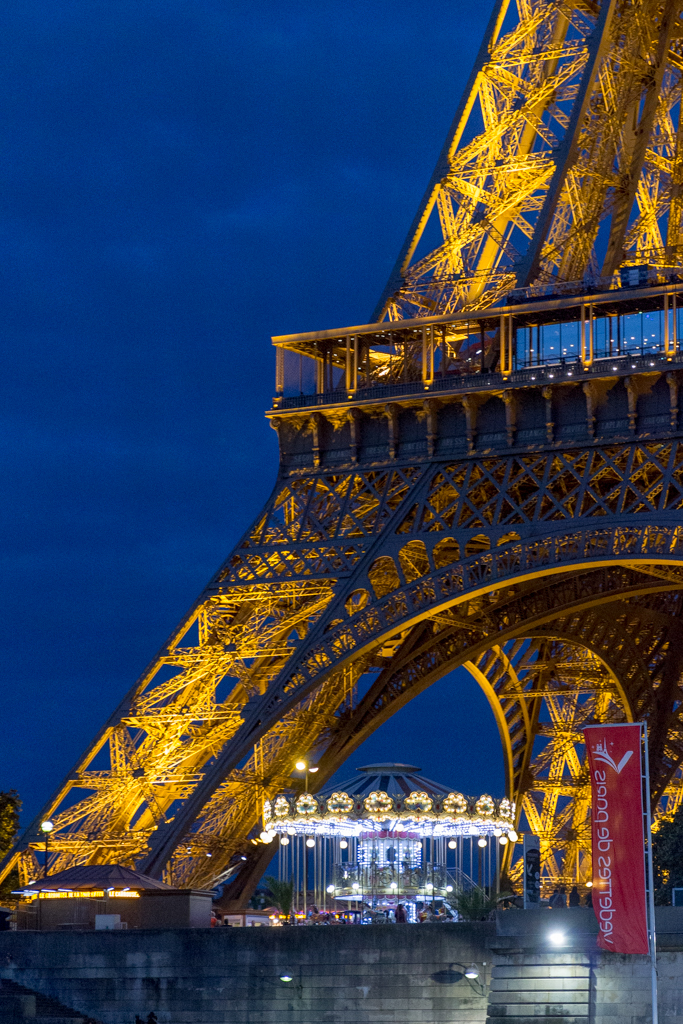 Seine River Cruise with Bateaux Parisiens