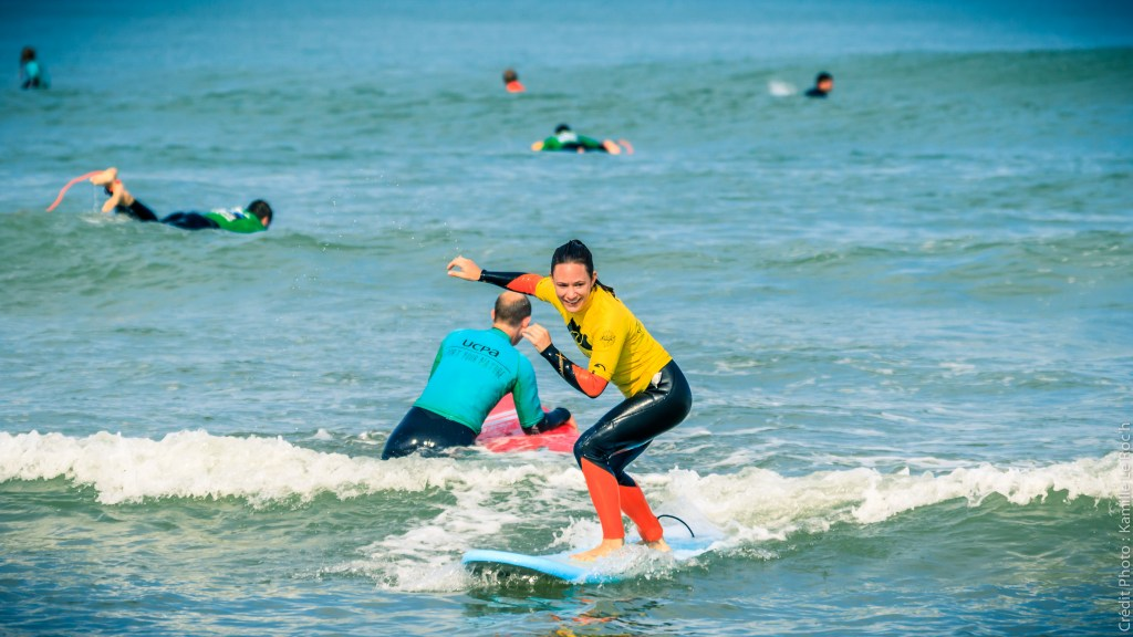 Learning to surf with UCPA Lacanau in France