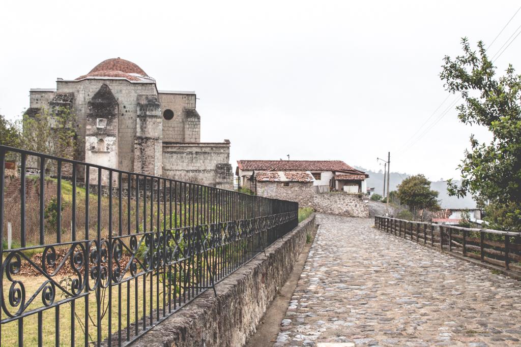 Los Pueblos Mancomunados: Latuvi to Amatlan