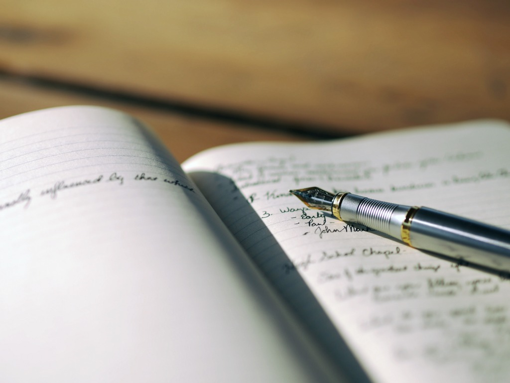 Discover New Blog Post Ideas by Freewriting in a Journal