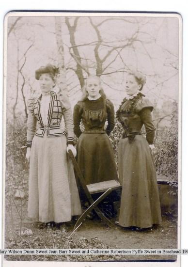 Mary, Jean and Catherine Sweet 1901, Braehead garden