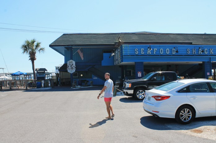 seafood-shack-places-to-eat-longboat-key-anna-maria-island-bradeton-beach-bar-florida18