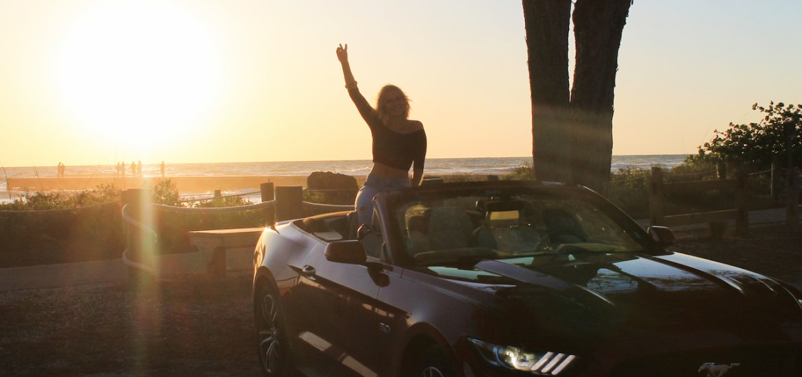 mustang-rental-car-florida-road-trip