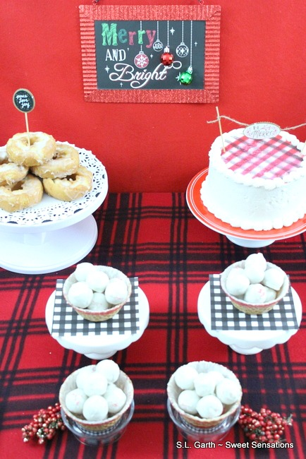 Plaid World Dessert Table