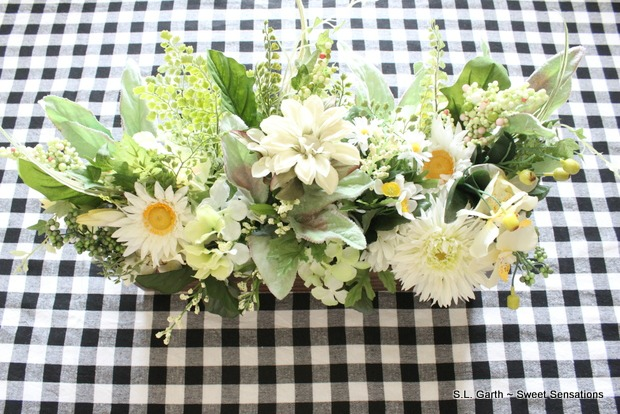 Casual Spring Tablescape 27