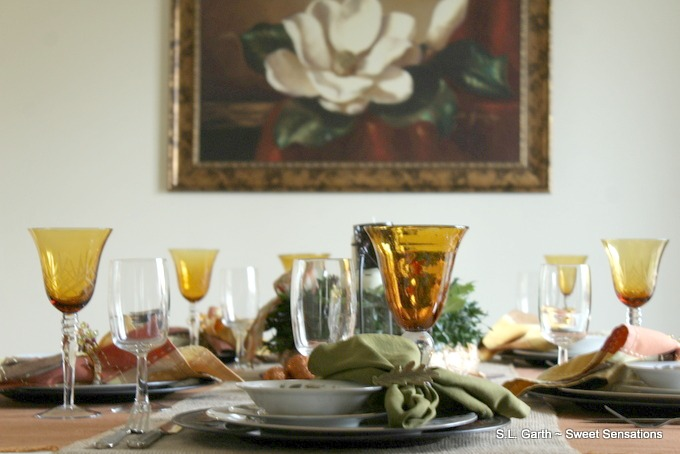 fresh-foliage-and-burlap-thanksgiving-tablescape-20