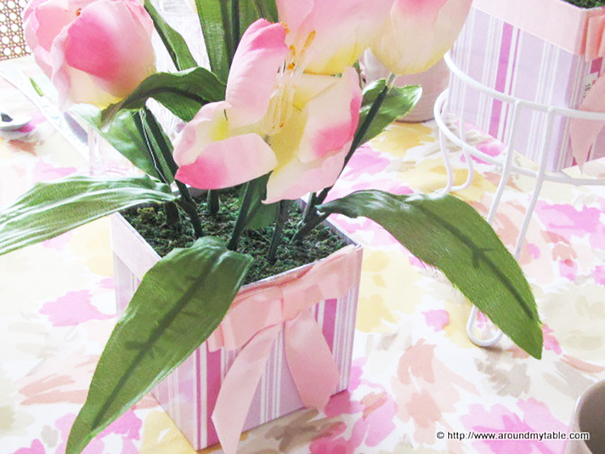 What's better than a bunch of pink tulips on a spring tablescape.