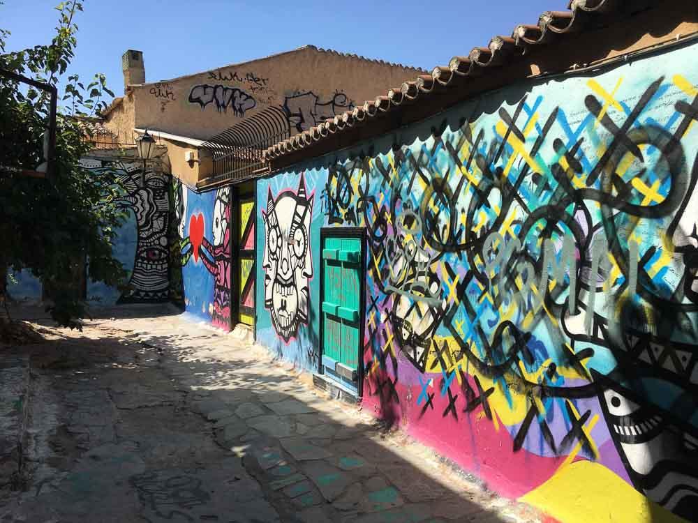 Graffiti in Plaka