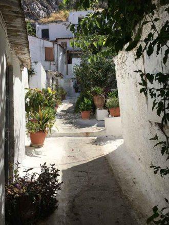 white buildings in anafiotika greece