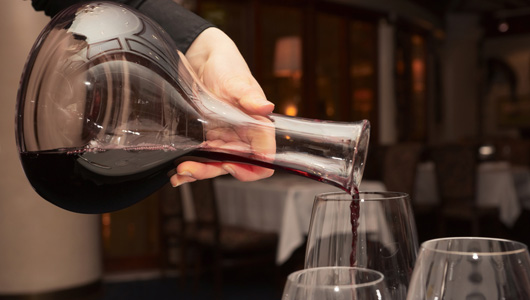 when to decant a bottle of wine