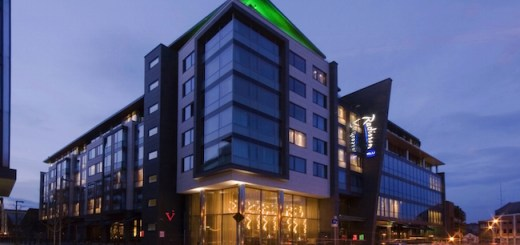 Win luxurious overnight stay for 2 people in the stylish and sophisticated Radisson Blu Royal Hotel & delicious evening meal in V'n V restaurant - Closed