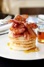 Pancakes with streaky bacon, maple syrup