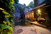 al-fresco-dining-beside-the-waterfall-at-Greenes-Restaurant544a268474440-1024x684