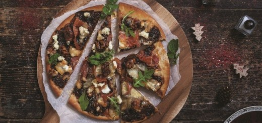 pear-prosciutto-and-walnut-pizza