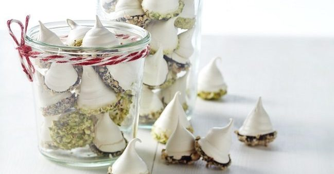 chocolate dipped meringues