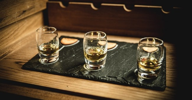 This Gorgeous Artisan Flight Boards by Slated are a Whiskey Lover's Must-Have