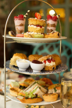 The Perfect Unbirthday Treat This Alice in Wonderland Afternoon Tea Looks Madly Cool 2