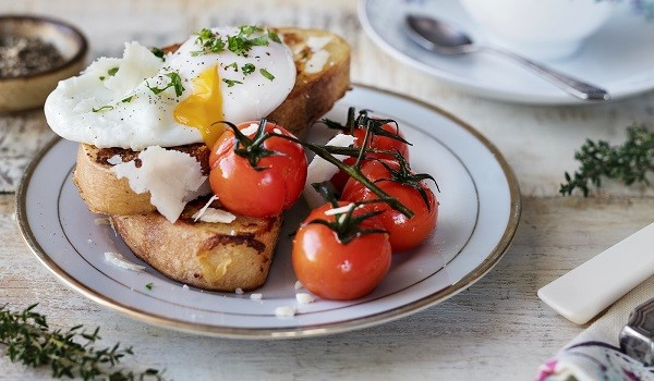 Cheese French Toast with Roasted Cherry Tomatoes and Poached Eggs by Siúcra x Catherine Fulvio