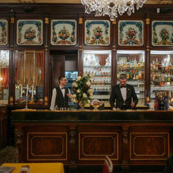 Visit the Baratti Milano Torino Bar
