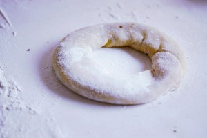 Malta_Qaghag Tal-Ghasel_Maltese Treacle/Honey Christmas Rings Recipe