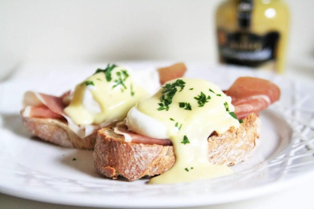 eggs-benedict-horseradish-hollandaise-2