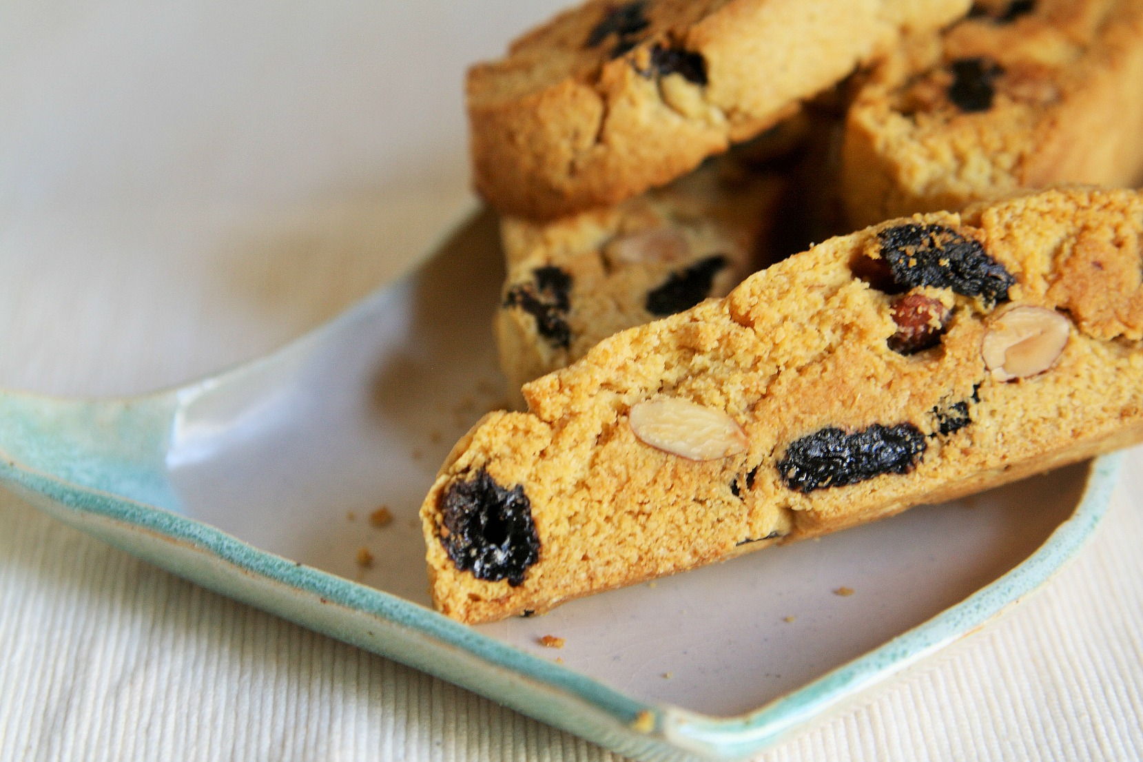 cornmeal-honey-biscotti-4