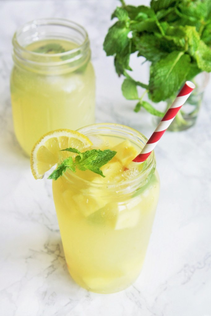 sparkling-pineapple-lemonade-2