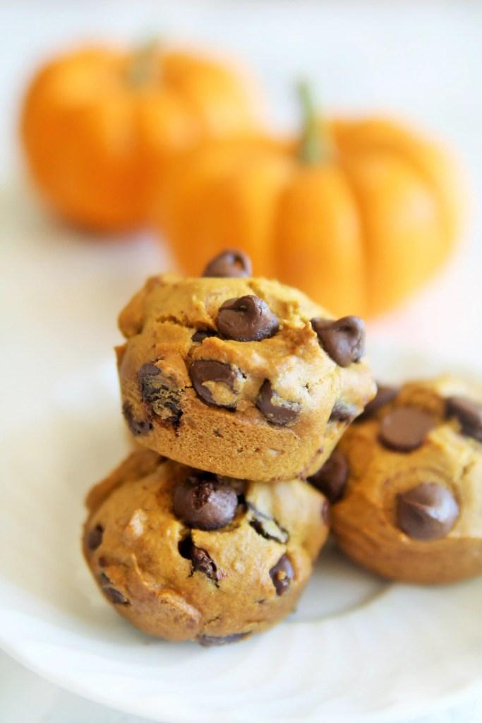 skinny-pumpkin-chocolate-chips-muffins-5