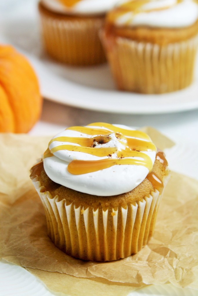 pumpkin-caramel-cupcakes-whipped-mascarpone-frosting-2