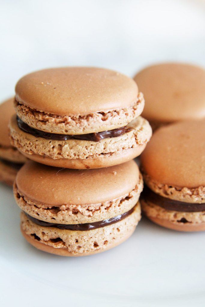 dark-chocolate-orange-macarons-4
