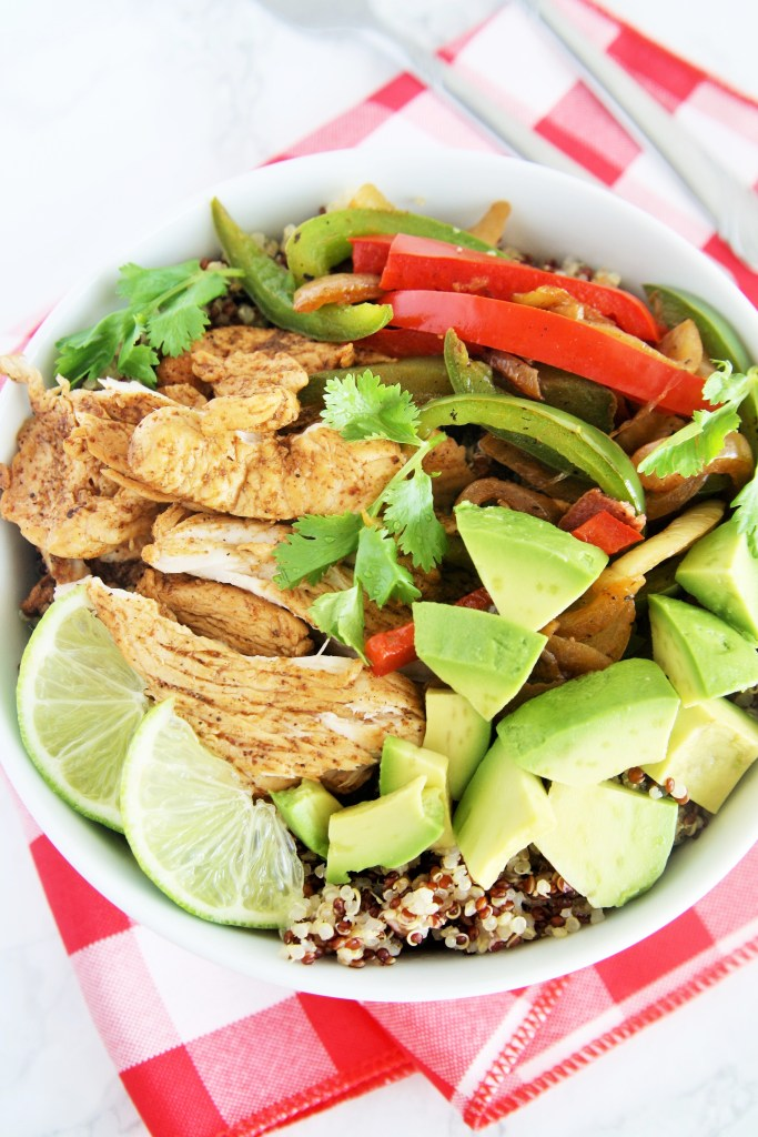chicken-fajita-quinoa-bowl-3